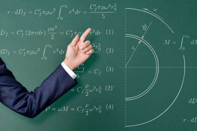 学校の先生は勉強をしないとどうなるかを教えなくてはならない