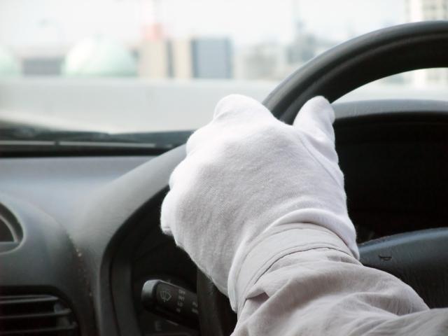 過疎地の交通手段構築のために、ウーバータクシーのように個人の車を乗合で確保できるように法整備を急げ、もうボランティアをしなくて済む